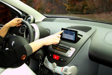 Geosat6DriveSafe Peugeot107 - AvMAP lancia un nuovo navigatore con etilometro incorporato