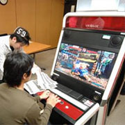 sfiv pcb dated - Street Fighters 4 torna in sala giochi