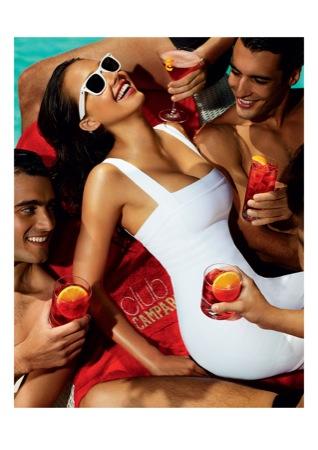 08 CampariCalendar2009 AUGUST - Jessica Alba protagonista a Milano del nuovo Calendario Campari