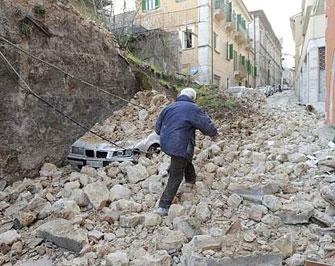 abruzzoterremoto060409 - Forte scossa di terremoto in Abruzzo, l'epicentro a l'Aquila