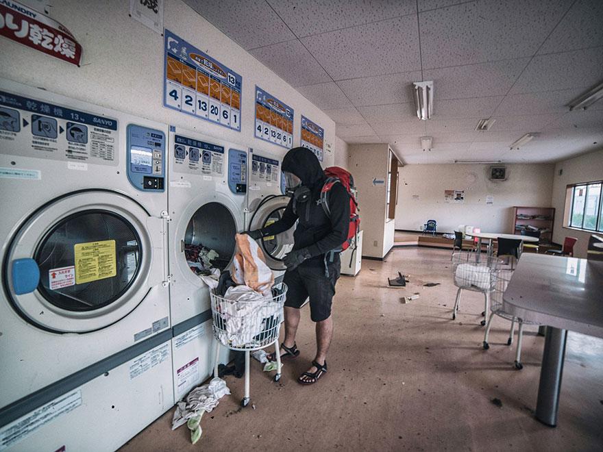 man sneaks into fukushima exlusion zone today 4 - Fukushima, ovvero Fallout nel mondo reale