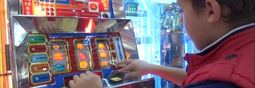 infanziaeslot - L'azzardo non è un gioco, infanzia ed adolescenza vogliono più protezione