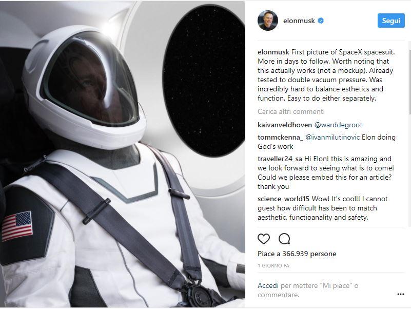 Tesla: rilasciata una prima immagine della tuta spaziale di SpaceX