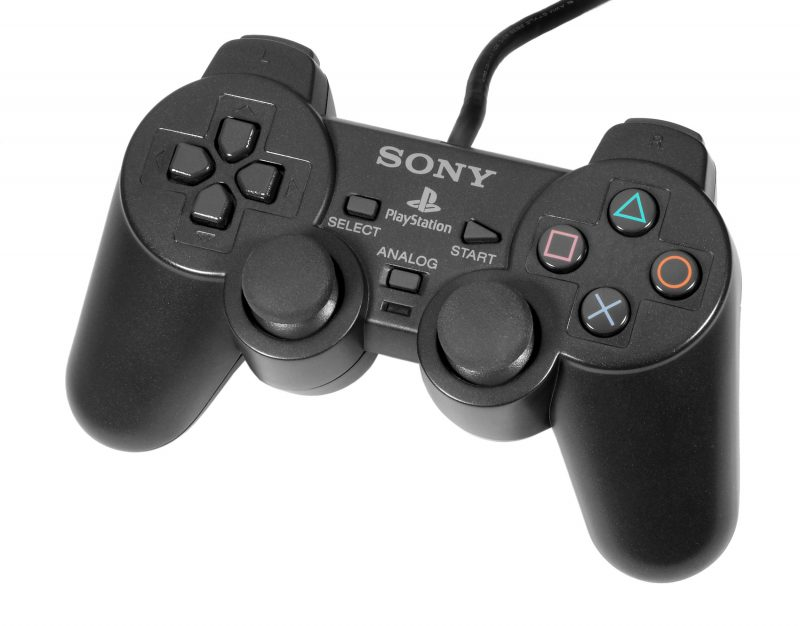 dualshock 2 e1531996511332 - Back 2 The Past: basta solo il nome... PlayStation 2