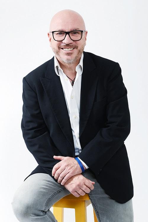 Luca Monticelli - Luca Monticelli presenta il suo primo libro: La comunicazione nell¹era digitale