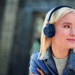 Jabra Elite 45h Navy LeadFemale 01 150x150 - Jabra presenta le nuove cuffie wireless sotto i 100 euro: Jabra Elite 45h